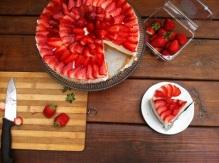 עוגת גבינה עם תותים